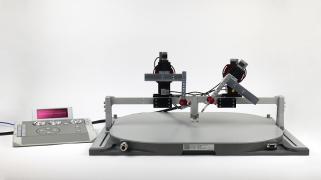 L&N micromanipulators mounted on the Mobile HomeCage Large bridge