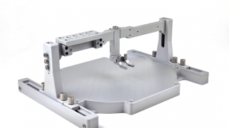Sensapex adapter on the Mobile HomeCage bridge